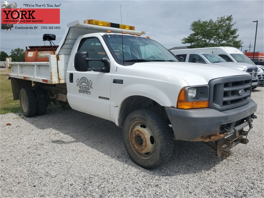 Pre-Owned 2000 Ford F-550SD XL